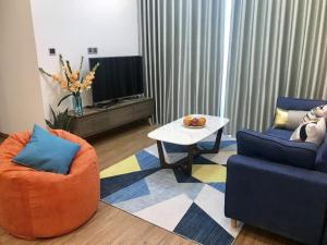 Ney's Luxury Apartment @Vinhomes Metropolis