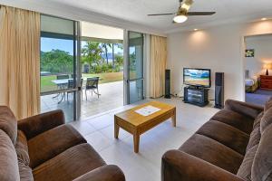 A seating area at Hibiscus 006 - Hamilton Island