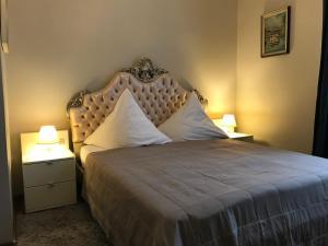 Letto o letti in una camera di Apartment Baden-Baden Altstadt Zentrum