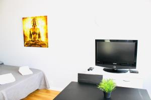 A television and/or entertainment center at Resitur 532