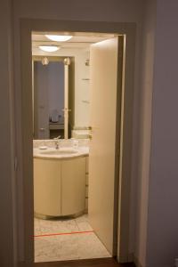 A bathroom at A casa di Davide