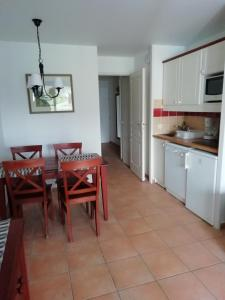 A kitchen or kitchenette at Residence Parc Arradoy