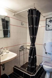 A bathroom at Papanestoras Apartments