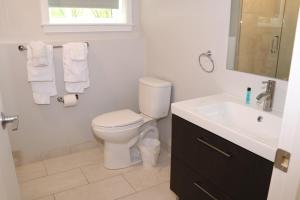 Bany a A Stylish Stay w/ a Queen Bed, Heated Floors.. #1