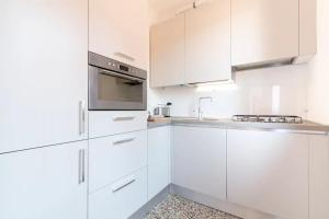 A kitchen or kitchenette at Residence Giulietta