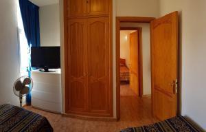 A bathroom at Very nice apartment near Yumbo, playa del ingles