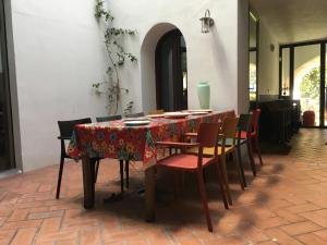 Un restaurante o sitio para comer en El Baciyelmo