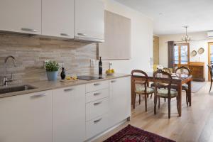 A kitchen or kitchenette at Valdibora Sea View Residence