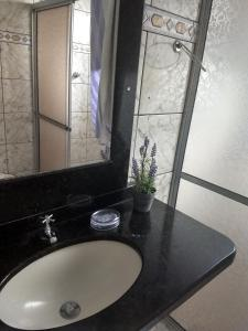 A bathroom at canto do sabiá