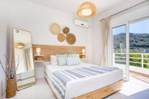 A bed or beds in a room at Euphoria Luxury apartment