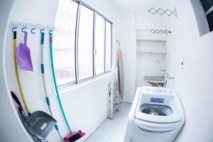A bathroom at Apartamento Cidade Jardim