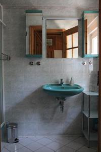 A bathroom at Piratenaussicht