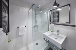 A bathroom at Nova Apartments Amsterdam