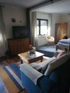 Ein Sitzbereich in der Unterkunft Ferienwohnung Vogt