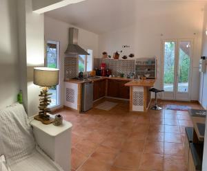 A kitchen or kitchenette at Villa Alna