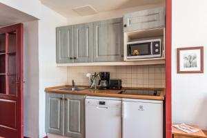Cuina o zona de cuina de Résidence Pierre & Vacances Les Terrasses d'Azur