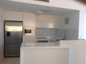 A kitchen or kitchenette at Kings Edge