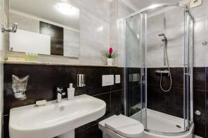 Salle de bains dans l'établissement Villa Flores