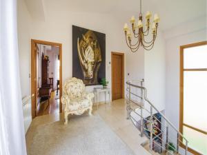 Zona de estar de Four-Bedroom Holiday Home in Sanxenxo