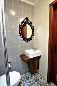 A bathroom at Casa do Castelo