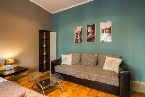 A seating area at Apartment Glorija