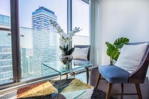A seating area at MiCasa Suites - Modern Executive Condo