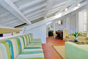 Coin salon dans l'établissement Monti Charme - My Extra Home