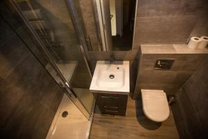 A bathroom at Résidence Padro