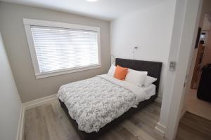 Ein Bett oder Betten in einem Zimmer der Unterkunft Abbot Kinney Apartment