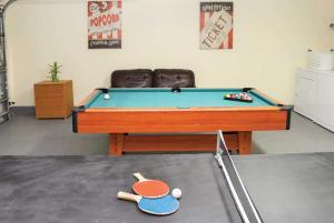 A billiards table at Pelican