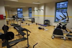The fitness center and/or fitness facilities at Bukowińska Apartament Mokotów
