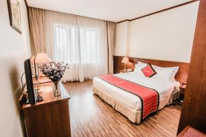 Khách sạn Sunny 2
