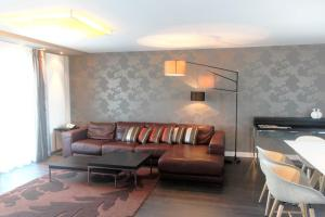 A seating area at Parkhotel Heidehof Long Stay