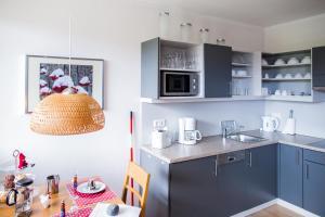A kitchen or kitchenette at Ferienwohnanlage Prinzenhof