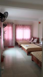 Khách sạn Hùng Diễm