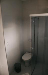 A bathroom at Apartamento do Luiz
