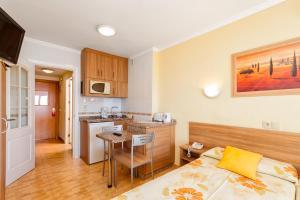 Кухня или кухненски бокс в Apartamentos Stella Maris