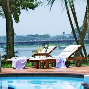 Khách Sạn Century Riverside Huế