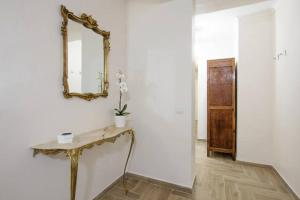 Bany a San Teodoro al Palatino Rooms and Loft