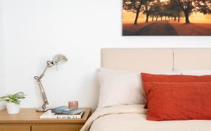 Letto o letti in una camera di Classic Two-Bedroom Apartment Pimlico