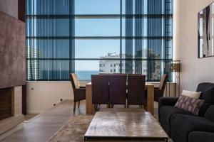 A seating area at Rent Top Apartments Beach-Diagonal Mar