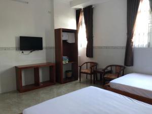 Khách sạn Hoàng Thiên 2