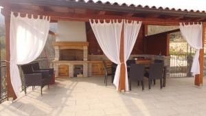 A restaurant or other place to eat at Villa Bambi