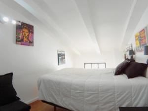 A bed or beds in a room at Antonio Zamora, 3ºA