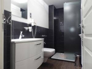 A bathroom at Naturdüne Wohnung 8