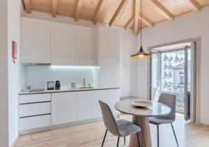 Een keuken of kitchenette bij BO - Sá de Noronha Apartments