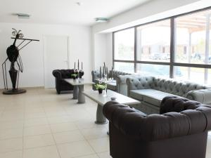 A seating area at Apartment Adonis Aix en Provence.2