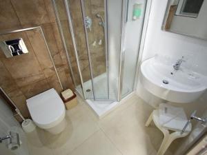 A bathroom at Apartment Classic Studio Inland 115 4pax