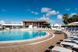 Het zwembad bij of vlak bij Hyde Park Lane Villas