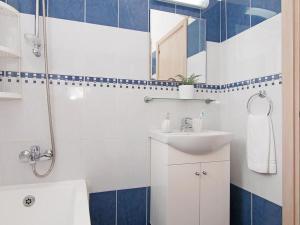 A bathroom at Villa PEDAF8
